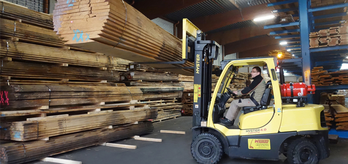 Holz-Tusche Depends On Cost-Effective Hyster® Trucks