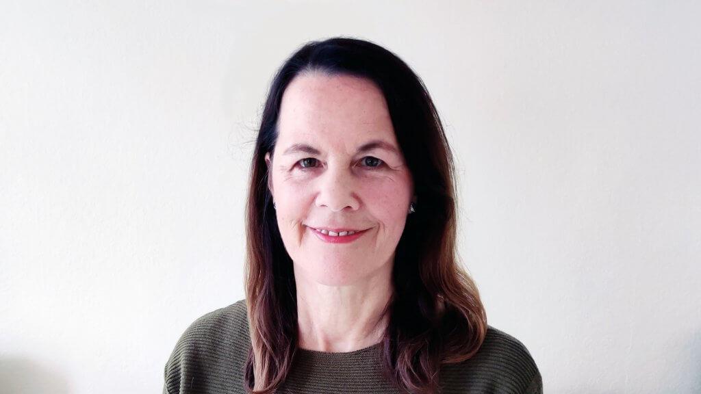 Linda Eziquiel